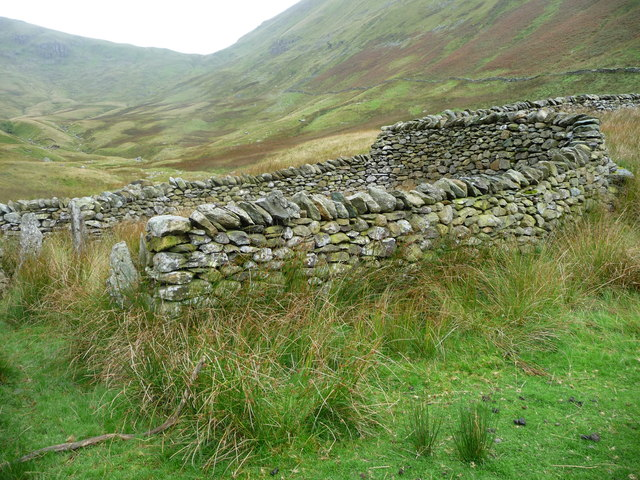 Walling within the complex sheepfold, Ramps Gill