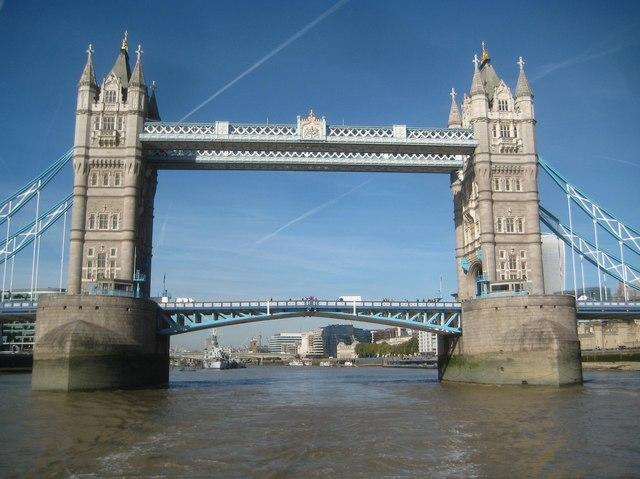 River Thames: Tower Bridge
