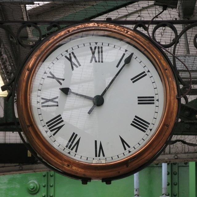 Burnt Oak tube station - clock