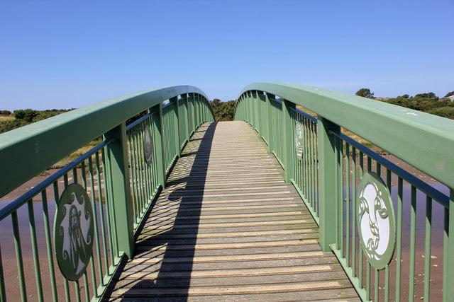 Footbridge over the Afon Alaw (Anglesey Coastal Path)