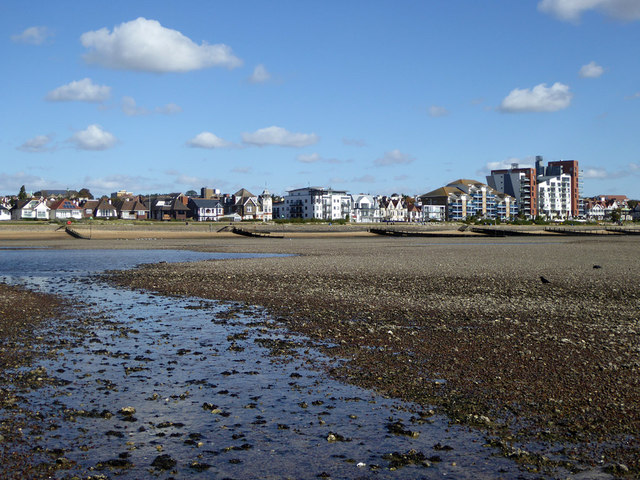 View towards sea front from Chalkwell Oaze