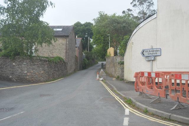 Road to the church, Aveton Gifford