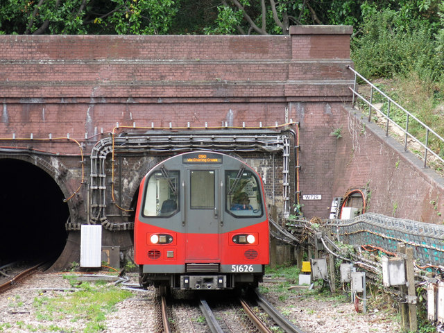 Southbound Northern Line train approaching Hendon Central tube station