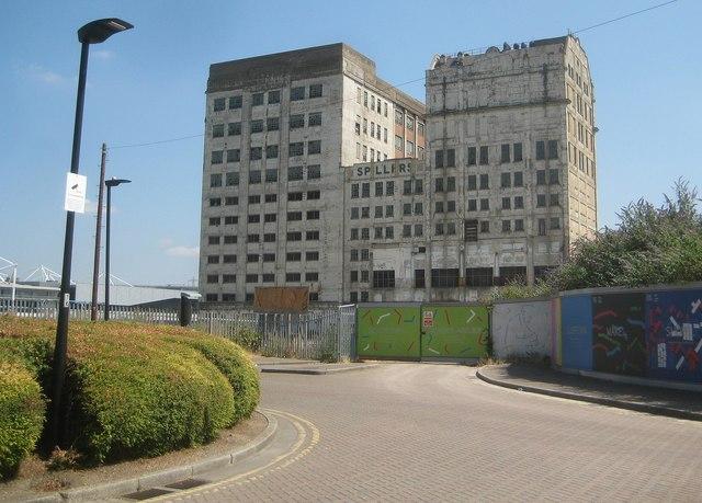 Royal Victoria Dock: Millennium Mills