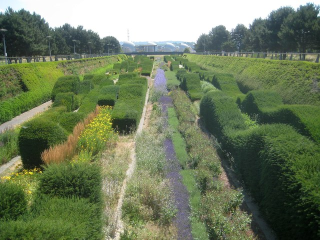 Silvertown: Thames Barrier Park: The Green Dock (1)