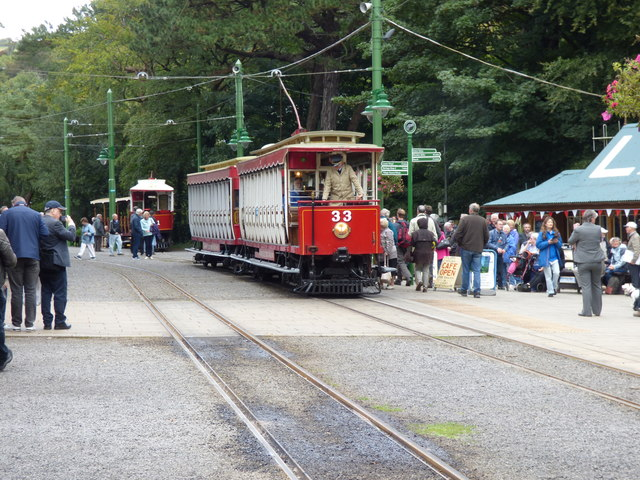 Laxey: Car No 33 and trailer