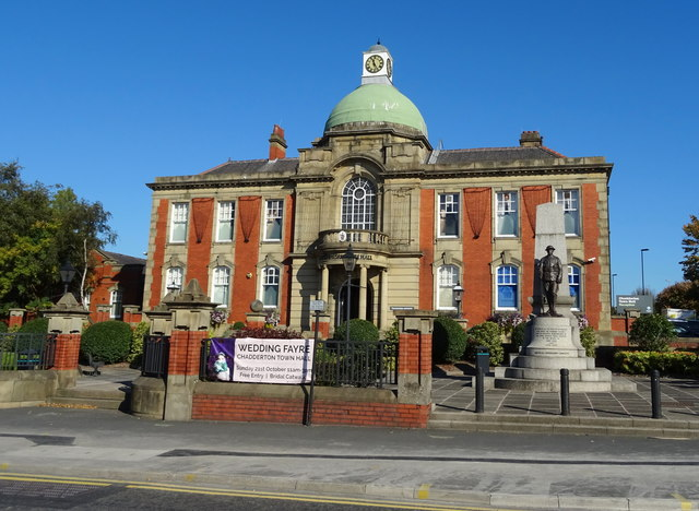 Chadderton Town Hall C Jthomas Geograph Britain And Ireland
