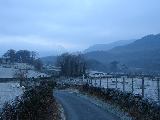 The road to Cwm Bychan