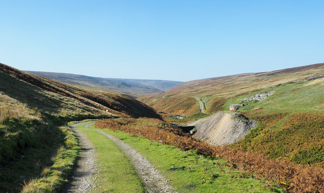 Hill road descending to Great Punchard Gill