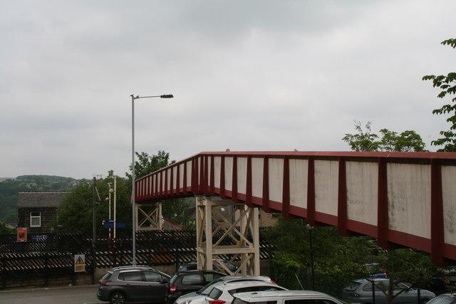 Ilkley:  Station footbridge