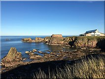 NT6779 : Looking towards the Mouth of Dunbar Harbour by Jennifer Petrie