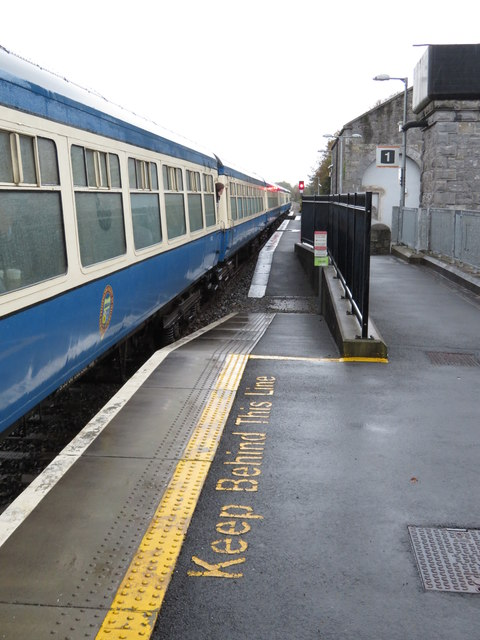 New and old platforms at Gort station