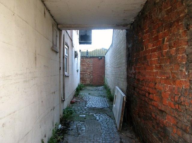 Great Yarmouth's Rows - Row 2 (Black Horse Row)