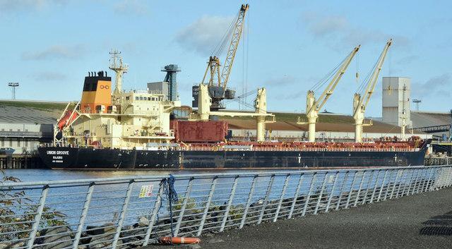 "The ""Union Groove"", Belfast harbour (October 2018)"