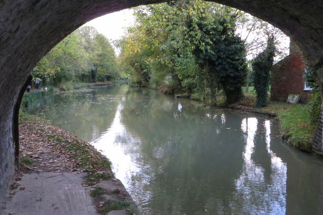 Grand Union Canal by The Old Crown
