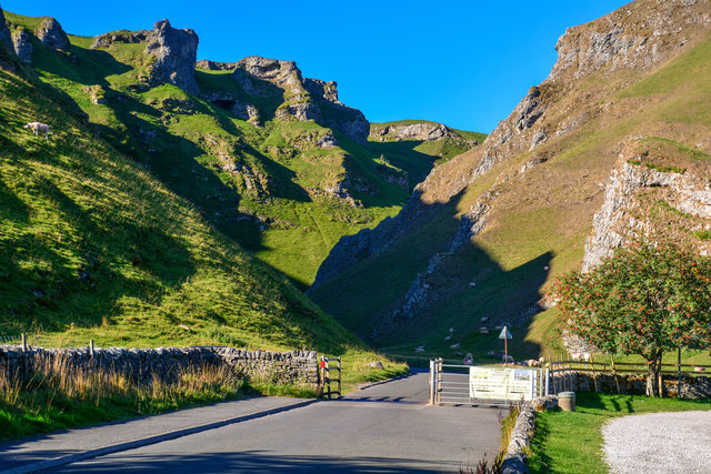 High Peak : Winnats Pass