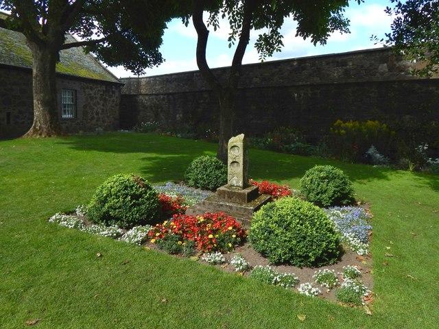 Stirling Castle: sundial in the Douglas Garden