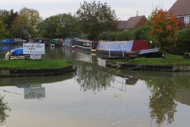 Bugbrooke narrowboat moorings