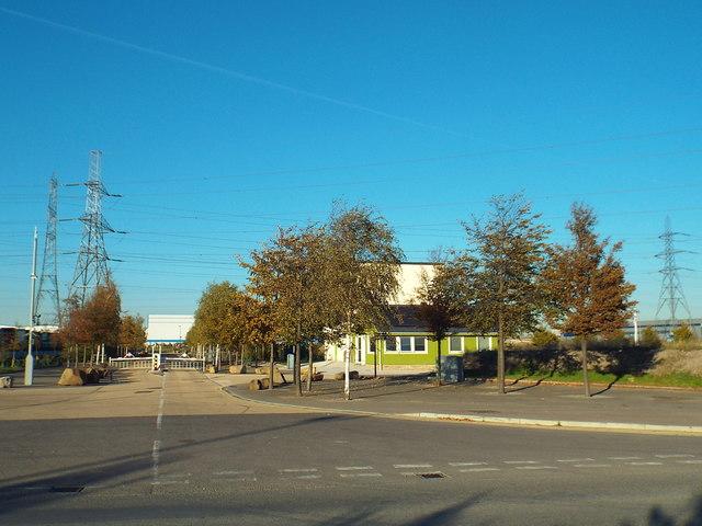dad71e3edb2 Service road in Dagenham © Malc McDonald cc-by-sa/2.0 :: Geograph ...