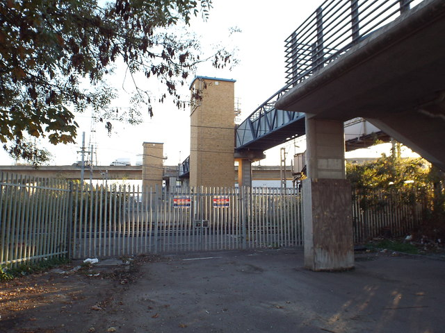 Former level crossing, Dagenham Dock
