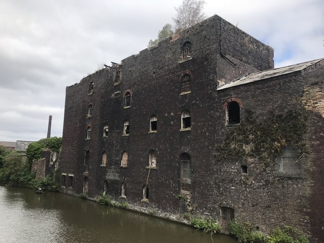 Buildings along the Trent and Mersey Canal