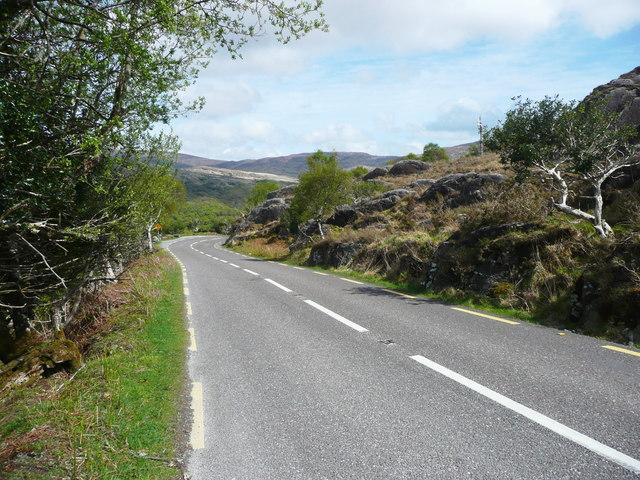 The N71 descending towards Killarney