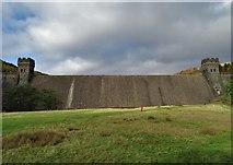 SK1789 : Derwent Dam by Neil Theasby