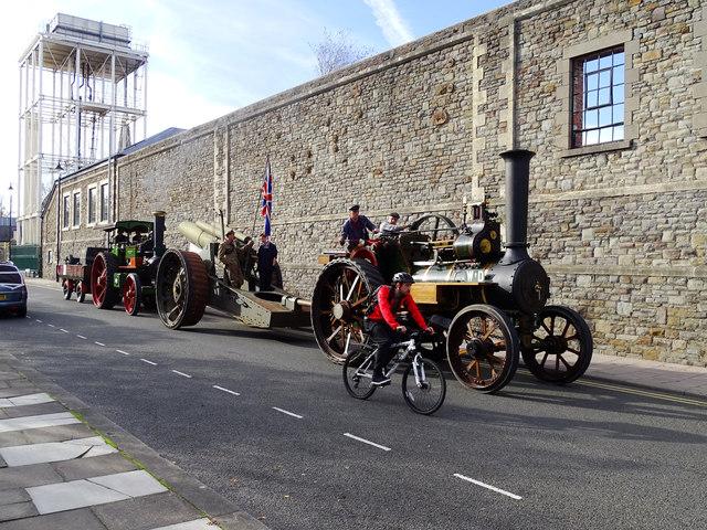 Howitzer convoy, Bristol Street, Swindon