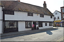 SU7682 : Barnby Cottages by N Chadwick
