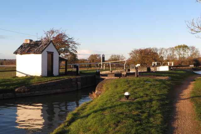 Rothersthorpe top lock