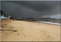 TM1714 : Clacton-on-Sea: Kings Promenade beach and the Pier under a glowering sky by Nigel Cox