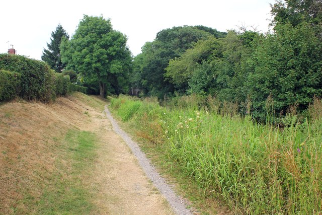 The Gritstone Trail beside the Macclesfield Canal.