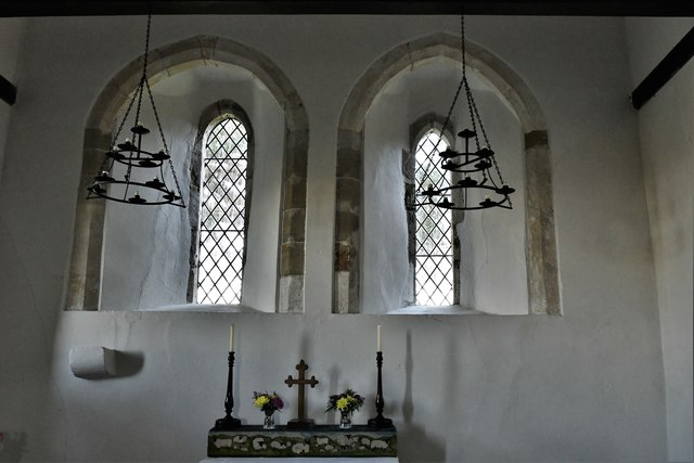Didling, St. Andrew's Church: The altar 2