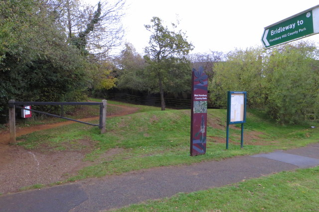 Footpath into West Hunsbury Country Park