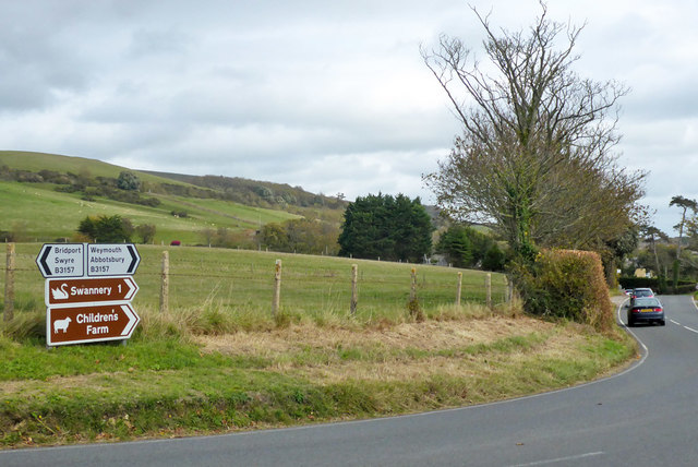 Junction of Cleverlawns with B3157, with signs