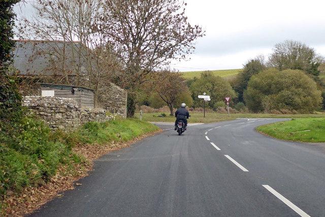 Road junction, Winterbourne Steepleton