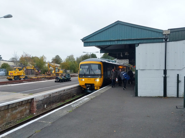 Train at Yeovil Pen Mill station
