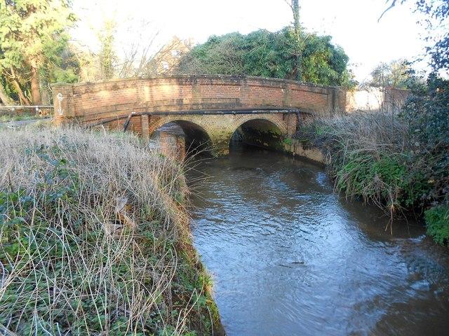 Mill Bourne: Philpot Lane bridge
