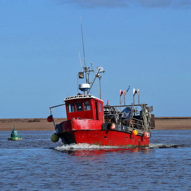 'The Osprey' returning to Berwick-upon-Tweed Harbour