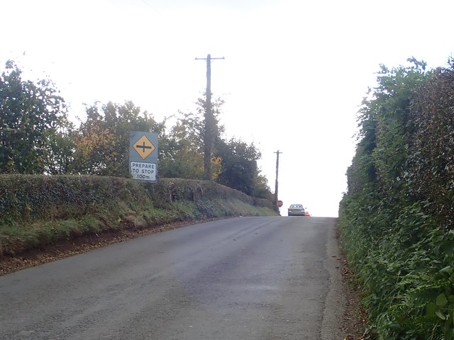 Approaching the concealed Dungooley Crossroads