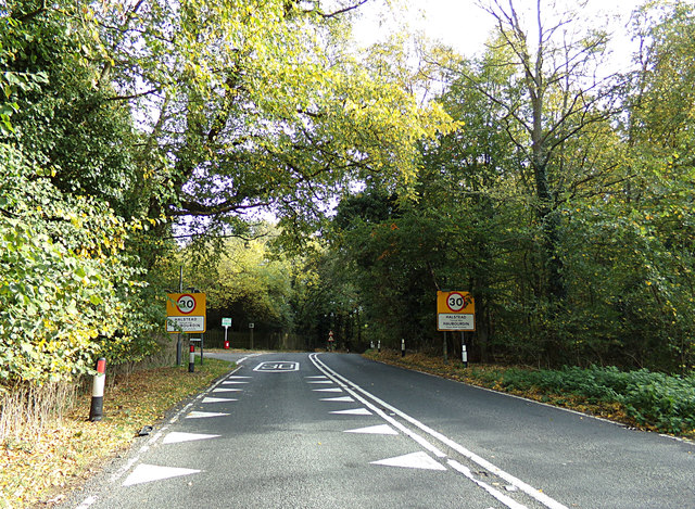 Entering Halstead on the A1124 Hedingham Road
