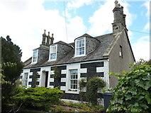 NO4203 : Rose Cottage, 3 North Feus, Upper Largo by Richard Law