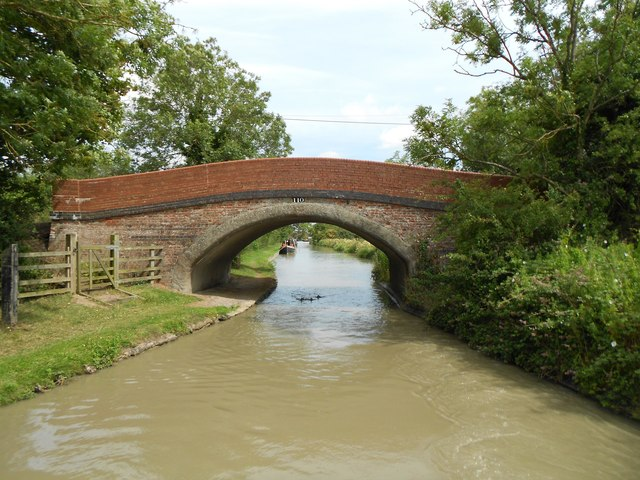 Oxford Canal: Bridge Number 110