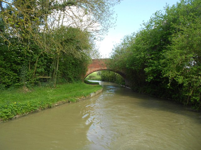 Oxford Canal: Bridge Number 122