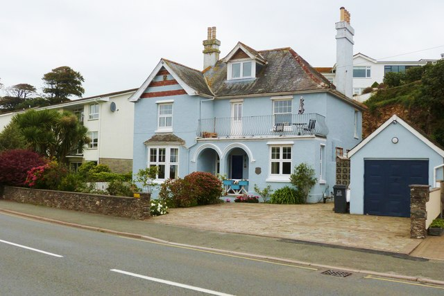 Pretty house on Embankment Road, Kingsbridge