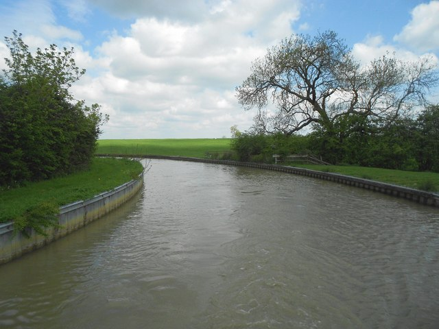 Oxford Canal: Sharp bend in Priors Hardwick