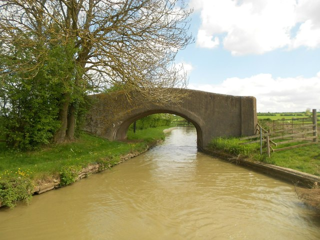 Oxford Canal: Bridge Number 124