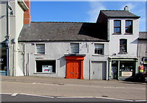 SO3014 : Vacant premises to let, Cross Street, Abergavenny by Jaggery