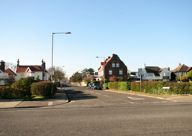 View west along Beaconsfield Road