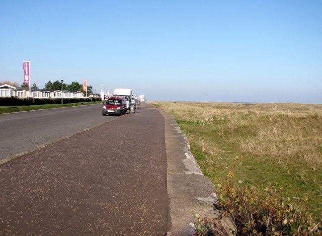 Path along the sea wall at North Denes